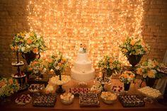 Mini Wedding aconchegante em São Paulo – Gabi e Marcelinho http://lapisdenoiva.com/casamento-gabi-e-marcelinho/ Foto: Coletivo 3