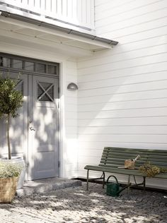 House Inspo, Outdoor Paint, House Exterior, Porch And Balcony, Country House, Summer House, Front Door, Entry Stairs, Outdoor Living