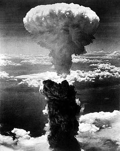 e chi cazzo se l'ascolta la drum n bass su soundcloud by gesx Neil Armstrong, Atomic Bomb Explosion, Nuclear Test, Drum N Bass, Nagasaki, Wwii, Drums, Photo Galleries, Clouds