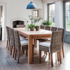 Bembridge Dining Chair with Cushion. Contemporary Stylish design perfect with the Hanborough Reclaimed Elm Dining Table. Free delivery!