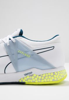 Explode XT on Behance Sports Footwear, Sports Shoes, Slip On Sneakers, Shoes Sneakers, Custom Shoes, Types Of Shoes, Shoe Collection, Shoe Brands, New Shoes