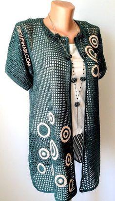 KAFES ÖRGÜ HIRKA – Örgü Pınarı Spring Fashion Trends, Latest Fashion Trends, Fashion Days, Boho Fashion, Street Style Shop, Armband Diy, High Street Fashion, Fifties Fashion, Crochet Dresses