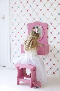 Little girl vanity Little Girl Vanity, Girls Vanity, Boho Nursery, Little Girl Rooms, Kid Spaces, Kids Decor, Decor Ideas, Kids Furniture, Girls Bedroom