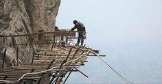 Trabajadores Chinos construyendo un sendero alrededor de un acantilado...  http://www.1502983.talkfusion.com/es/products/