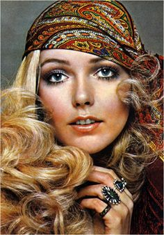 70's woman style