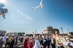 #Wedding #in #Roma, #doves #release on Angels Bridge. Great experience.