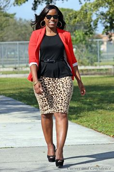 curvy girl wearing a peplum, belted peplum top, black and leopard outfit, simple trendy office outfits.JPG
