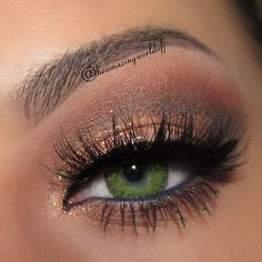 Sparking brown eyeshadow