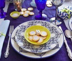 Tradition+style = this gorgeous Hanukkah celebration: http://popsu.gr/36260614 #HappyHanukah @onekingslane @AliGPincus