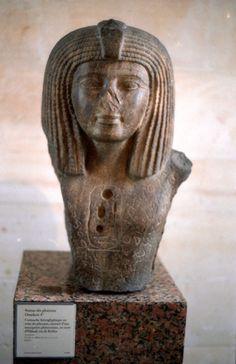 Bust of #Pharaoh #Osorkon I, twenty-second dynasty, with #Phoenician #inscription of #King #Elibaal.