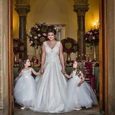 Darling flower girls in Lola & Em gowns (link in bio)! Great inspiration for a beautiful French baroque wedding with @debonairvenuestyling and photography by @karenmasseyphotography. #ontheblog #weddingblog #weddingblogger #blog #blogger #debonairvenuesty