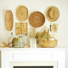 Basket wall display. Wouldn't work in my dust-magnet house, but I like the idea!