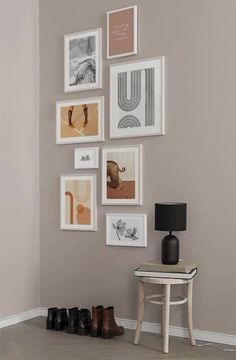 Page 7 - Picture wall inspiration | Stylish gallery walls at Desenio.co.uk Living Room Modern, Living Room Designs, Living Room Decor, Inspiration Wand, Casa Milano, Chateau Hotel, Scandinavian Design, Sweet Home, Wall Decor