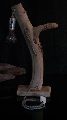 Lampe de chevet en bois flotté de méditerranée. : Luminaires par almero-creations