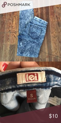 Cute jeggings New /in Excellent condition/ no trades/no PayPal/ smoke and pet free home/ please ask Questions!/ like what you see but the price to high? Make an offer! 😍 Jeans Skinny