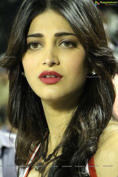 Shruti Hassan Latest Cute & Sexy Stills In White T-shirt at CCL Finals... - Page 4