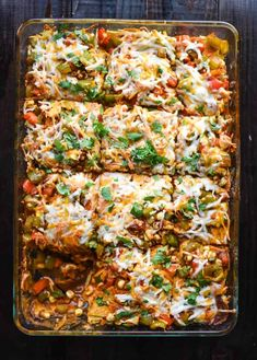 mexican recipes Vegan Mexican Casserole - This recipe is healthy, flavorful, and hearty enough to serve as a warm, fall dish. Quick Vegetarian Meals, Vegan Dinners, Mexican Casserole Vegetarian, Fall Vegetarian Recipes, Vegan Enchilada Casserole, Veggie Meals, Vegetarian Food, Vegan Mexican Recipes, Vegan Recipes