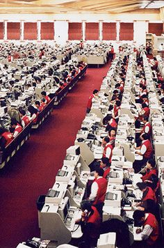 Hong Kong, Stock Exchange, 1994. Ph. by Andreas Gursky