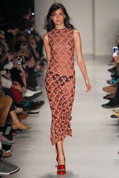 Vitorino Campos São Paulo Spring 2015 Fashion Show Runway Fashion Outfits, Fashion Show, Fashion Design, Jolie Lingerie, Divas, Spring 2015 Fashion, Dress Attire, Fashion Poses, Runway Models