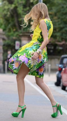 #fashion #woman #summer #outfit #look #style #printed #flower #dress #green