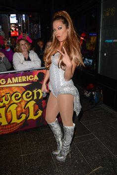Pin for Later: Holt euch bei den Stars Inspiration für euer Halloween-Kostüm Ginger Zee als Ariana Grande