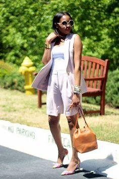 How To Wear Long Bermuda Shorts For Work, Date And Weekend - Clothes & Style - # Short Outfits, Stylish Outfits, Summer Outfits, Fashion Outfits, Women's Fashion, Work Fashion, Summer Clothes, Fashion Trends, Bermuda Shorts Outfit