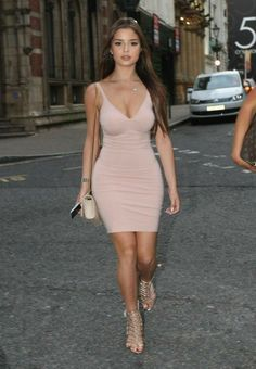 Tyga's Rumored New Girlfriend Demi Rose Goes For Dinner In Birmingham Demi Rose Mawby, Celebrity Stars, Celebrity Photos, Tight Dresses, Sexy Dresses, Western Girl, Arab Girls, Female Poses, Hot Dress
