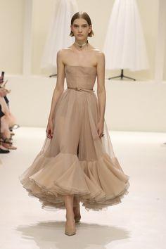 Vogue Online, Formal Dresses, Fashion, Dresses For Formal, Moda, Formal Gowns, Fashion Styles, Formal Dress, Gowns