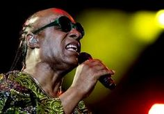 13-Jul-2014 10:43 - STEVIE WONDER SLUIT TWEEDE AVOND NSJ INDRUKWEKKEND AF. Stevie Wonder moest tijdens zijn optreden, gisteren op het North Sea Jazz festival in Rotterdam, bekennen dat hij last had van een verkoudheid...