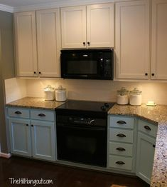 Modern And Trendy Kitchen Cabinets Ideas And Design Tips – Home Dcorz Kitchen Cabinets With Black Appliances, Kitchen Cabinet Colors, Painting Kitchen Cabinets, Kitchen Redo, Kitchen Colors, New Kitchen, Kitchen Small, Small Appliances, Kitchen Ideas