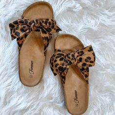 Truly NYA Fashions is an online apparel Boutique. Our wide selection will have you on the cutting edge of fashion with the latest trends. We have affordable styles to keep your wardrobe up-to-date. Pretty Shoes, Cute Shoes, Me Too Shoes, Bow Sandals, Cute Sandals, Shoe Boots, Shoes Heels, Flats, Estilo Hippie