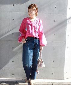 ◆新作デニム! ぱっと鮮やかなカラーのブラウスで華やかに仕上げたスタイリングです!