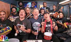 Jimmy Fallon y Metallica se hacen virales al tocar instrumentos de juguete #Viral #Video