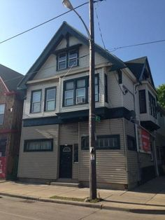 Free Standing Commercial Building for Sale $90,000  Address: 939 W Greenfield Ave Milwaukee, Wisconsin 53204    Malico Watson Cell: 414.573.7363 Tell: 414.384.9999