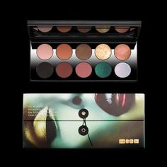 DESCRIPTION A celestial collectionof 10 cult-classic shades in fiery coppers, poetic pinks, mesmerizing jewel tones, brilliant bronze and signature matte neutrals that offer pure vibrant colour saturation and diamond sparkle intensity, all married in one iconic palette. Shades, clockwise from top leftSkinshowGlowCopper TonedIconicBronze005VRNectarAstral Ghost OrchidBlitz EmeraldRose DuskDarkXtreme Black PRODUCT FEATURES     - 1 Mothership II: Sublime Palette (8.9 x .84 x 4.9)…