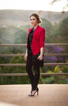 Look da Lu: blazer vermelho e clutch de franjas - Chata de Galocha! | Lu Ferreira