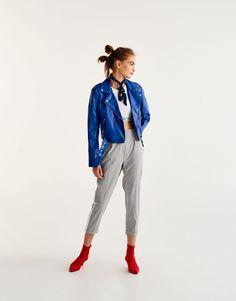 Куртка в байкерском стиле - Пальто и куртки - Одежда - Для Женщин - PULL&BEAR Российская Федерация
