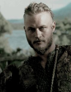 Vikings ~ Ragnar Lothbrok (Travis Fimmel)