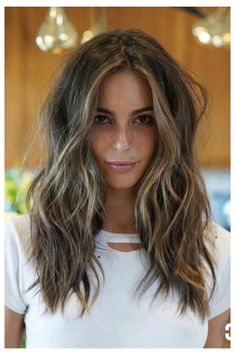 Brown Hair Balayage, Balayage Brunette, Brown Blonde Hair, Light Brown Hair, Hair Color Balayage, Hair Highlights, Brown Medium Length Hair With Highlights, Medium Brown Hair With Highlights, Face Frame Highlights