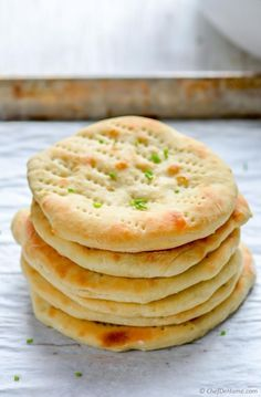 Oven Bake Soft Naan Breads ready for a family dinner in just 10 minutes | chefdehome.com