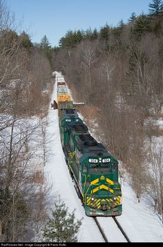 RailPictures.Net Photo: GMRC 304 Green Mountain Railroad EMD GP40-2 at Gassetts, Vermont by Paolo Roffo