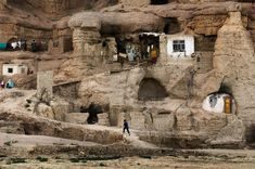 Steve McCurry, Cave Homes in Bamiyan, Afghanistan.