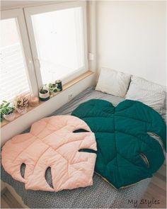 M size Monstera leaf natural linen mat decorative rug room Etsy Room Decor Bedroom, Diy Room Decor, Home Decor, Deco Cool, Tapis Design, Design Design, Kids Blankets, Room Rugs, Luxury Bedding