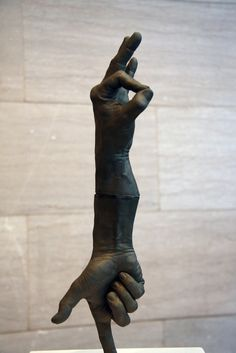 Incredible Bronze Hand Sculptures by Bruce Nauman - My Modern Metropolis