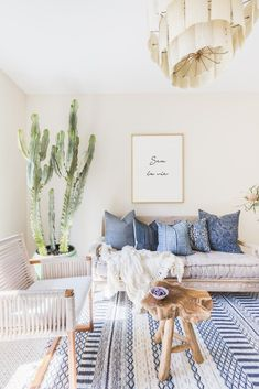7 Living Room Color Schemes that will Make Your Space Look Professionally Designed - The Trending House Bohemian Living, Boho Chic Living Room, Modern Bohemian, Bohemian Interior, Bohemian Decor, Coastal Living, Bohemian Style, Hippie Chic, Bohemian House
