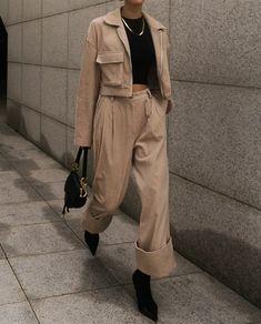 Soft crop T-shirt - modus Classy Outfits, Vintage Outfits, Casual Outfits, Cute Outfits, Fashion Outfits, Womens Fashion, Petite Fashion, Fashion Tips, Aesthetic Fashion