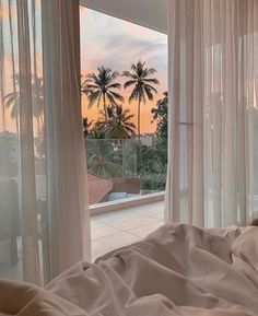 Discovered by Aaaurélie S. Find images and videos about summer, aesthetic and sky on We Heart It - the app to get lost in what you love. Summer Aesthetic, Travel Aesthetic, Aesthetic Rooms, Beige Aesthetic, Photo Wall Collage, Window View, Dream Rooms, Dream Bedroom, Bedroom Wall