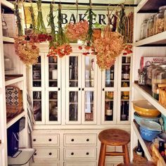 Fall Home Decor, Autumn Home, Pumpkin Decorating, Decorating Your Home, Wooden Pumpkins, Cottage Style Decor, Cottage Kitchens, Cottage Living, Autumn Inspiration