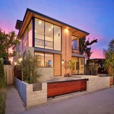 Geometric Modern Exterior of Cloy Residence in Venice, California