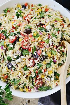 Greek Orzo Salad l You can find Pasta and more on our website.Greek Orzo Salad l Orzo Salad Recipes, Greek Salad Recipes, Arugula Recipes, Summer Salad Recipes, Barley Salad, Soup And Salad, Barley Food, Greek Orzo Salad, Pasta Salad With Feta